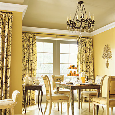 yellow-dining-room-southern-look-ivory-and-black