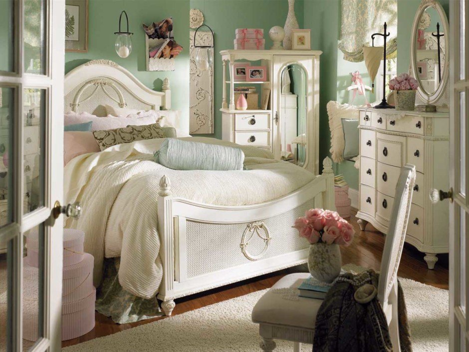 beautiful-girls-bedroom-with-country-furniture-design-ideas-940x705
