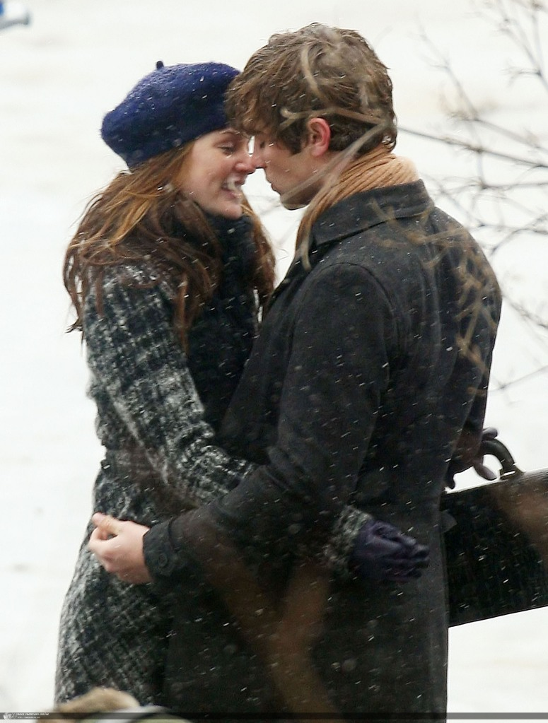 Leighton Meester kisses Chace Crawford in the snow at the Duck Pond in Central Park, NYC on the set of 'Gossip Girl'
