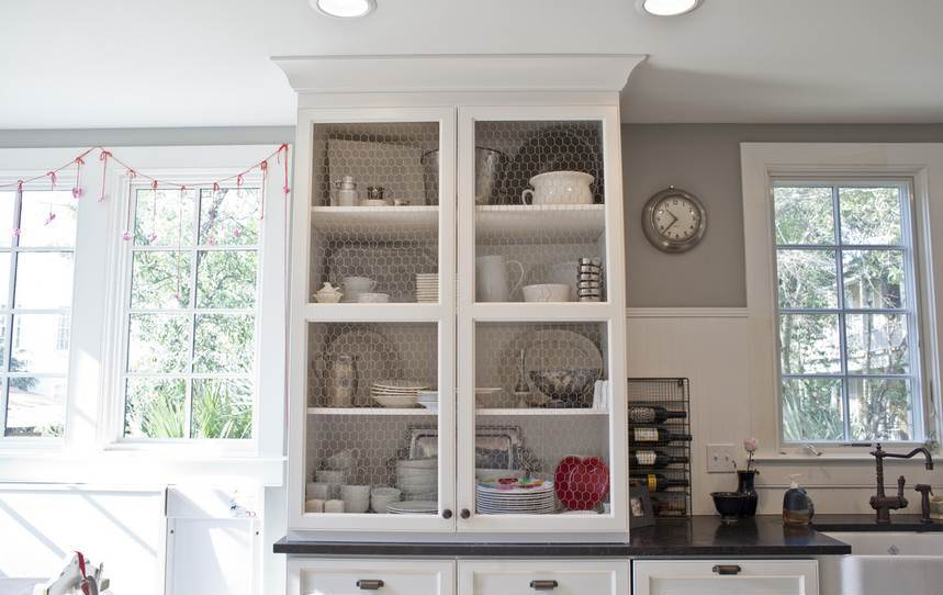REINOMAGAZINE-Built-In-China-Cabinet-Dining-Room